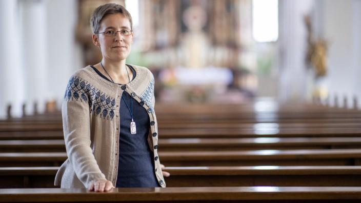 Ordensschwester wegen Kirchenasyl vor Gericht