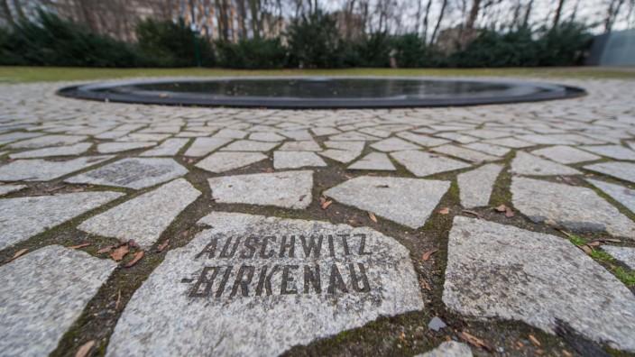 Denkmal für die im Nationalsozialismus ermordeten Sinti und Roma Europas Im Bild ist das Denkmal für die im Nationalsozi