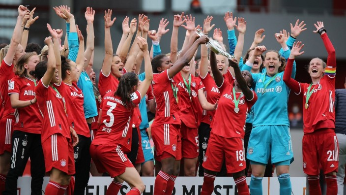 06.06.2021, xcex, GER, Muenchen, FC Bayern Campus, Frauenfussball, 1. Bundesliga, DIE LIGA, FCB, SGE, FLYERALARM Frauen-
