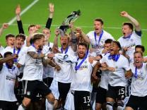 U-21-EM 2021: Die deutsche Nationalmannschaft feiert den Sieg im EM-Finale