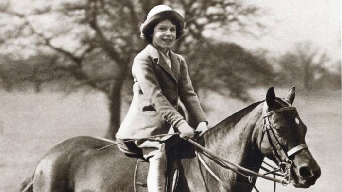 Princess Elizabeth as a child Princess Elizabeth future Queen Elizabeth II as a child aged 9 1935
