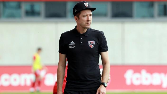 Trainer Roberto Pätzold FC Ingolstadt Fussball FC Bayern Campus B Junioren Bundesliga 25 0