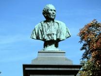 Denkmal für Johann Andeas Schmeller