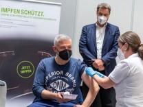 Coronavirus - Start regulärer Impfungen durch Betriebsärzte - BMW