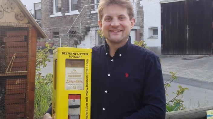 Pressebilder: Kaugummi-Automaten-Restaurateur Sebastian Everding.
