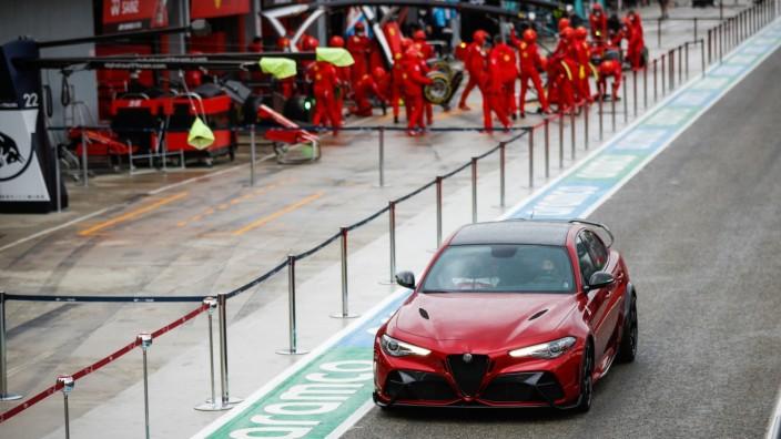 F1 - EMILIA ROMAGNA GRAND PRIX 2021 Alfa Romeo mit Überrollkäfig: Fahrbericht Giulia GTAm mit 540 PS.