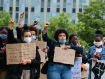06.06.2020, xtgx, Demonstration gegen Rassismus und Polizeigewalt in Magdeburg. In Magdeburg demonstriert ein Buendnis a