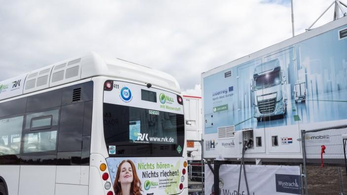 Hofolding, Betriebsgelände / Busdepot der Firma Geldhauser, interkommunales Projekt ãHyBayernÒ,