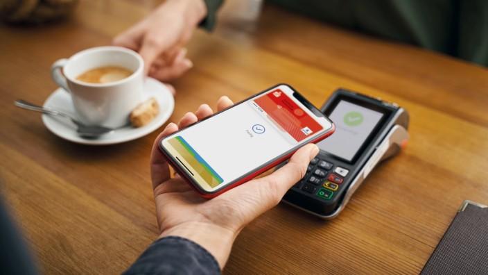 Apple Pay mit der girocard startet bei der Sparkasse Fürstenfeldbruck