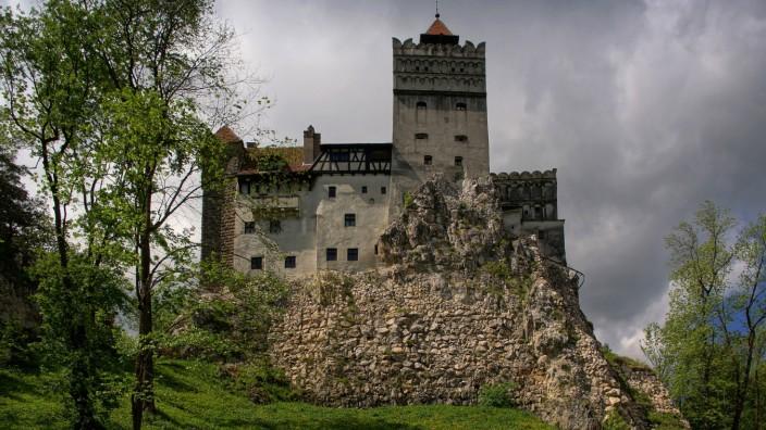 Draculas Schloss Bran in Rumaenien Rumaenien Brasov Draculas Castle Bran in Romania Romania Bras