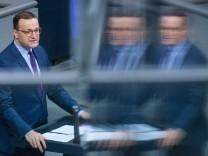 News Bilder des Tages Berlin, Plenarsitzung im Bundestag Deutschland, Berlin - 06.11.2020: Im Bild ist Jens Spahn (Bund
