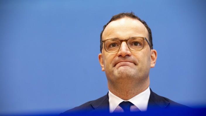 Jens Spahn bei einer Bundespressekonferenz