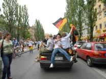 Fußball-WM 2006 in München: Deutschland-Fans auf der Leopoldstraße