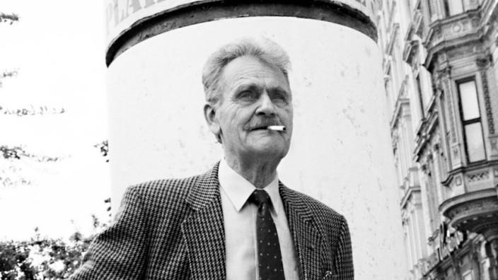 H.C. Artmann fotografiert von Sepp Dreisinger
