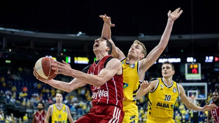 Basketball Berlin 09.06.2021 1. Bundesliga / easyCredit BBL Saison 2020 / 2021 Playoffs Finale Spiel 1 Alba Berlin - FC