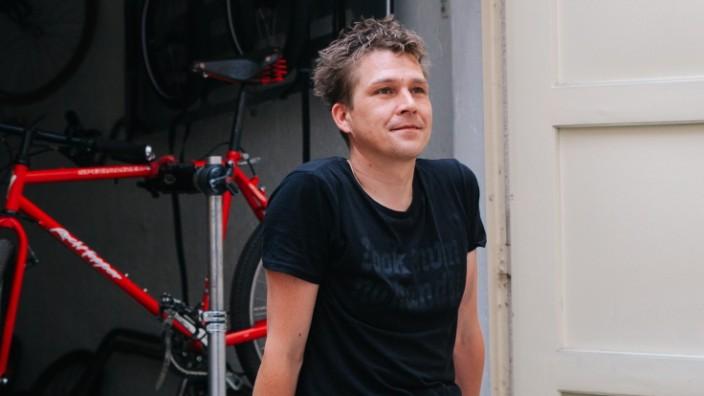 Verkehr: Früher fuhr Martin Laschewski viel mit dem Auto. Inzwischen hat er es gegen sein Lastenrad eingetauscht.