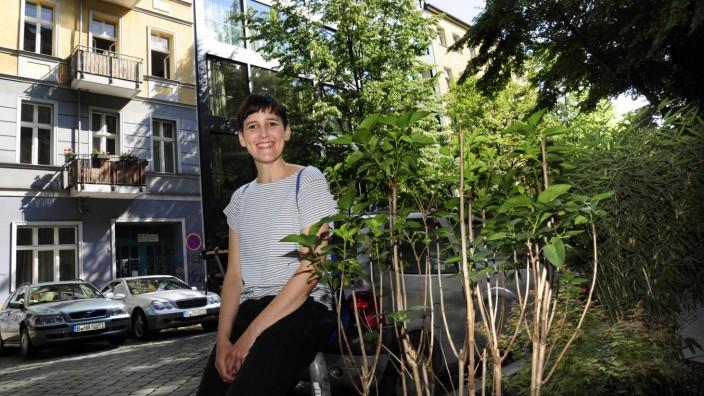 Portrait der Autorin Anke Stelling für einen Stadtspaziergang fürs Lokale Stadtleben durch Prenzlau