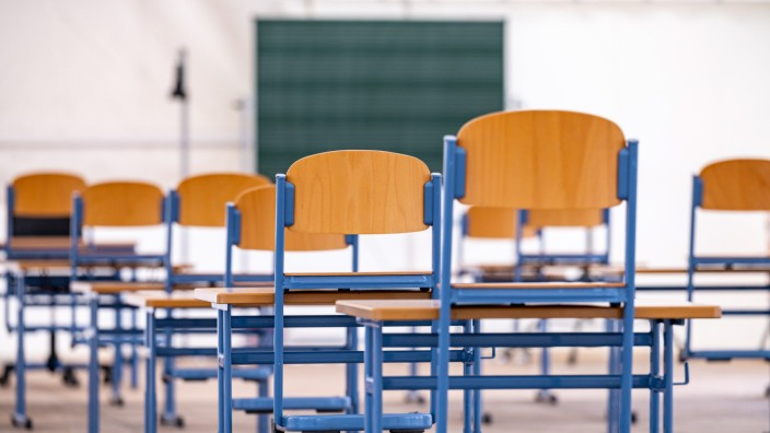 Coronavirus - Zelt als Klassenzimmer
