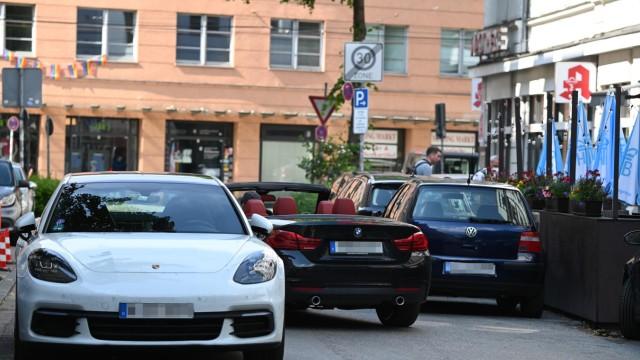 Autos Schani - Kennzeichen gepixelt