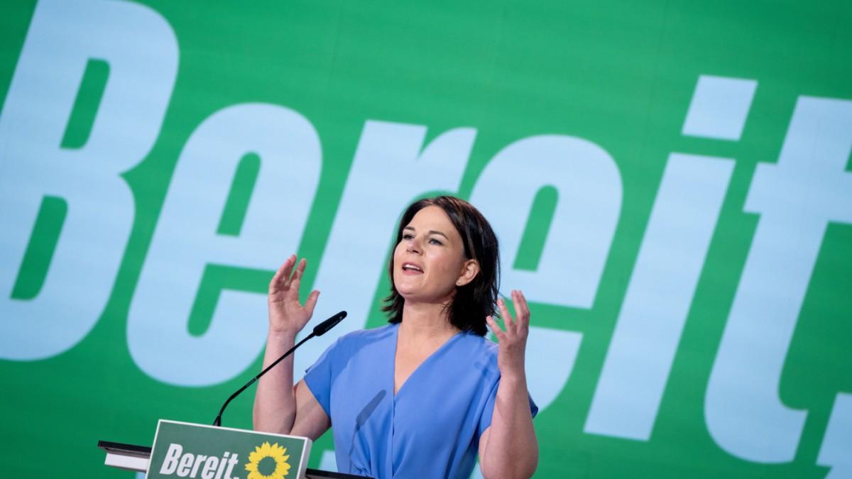 Grüne: Baerbock zahlt den Preis für frühen Jubel