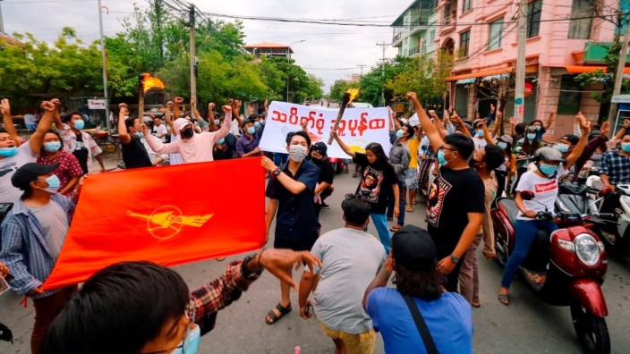 People protest in Mandalay