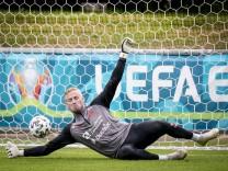 Kasper Schmeichel under landsholdets traening i Helsingoer, mandag den 14. juni 2021. , Copenhagen Denmark *** Kasper Sc
