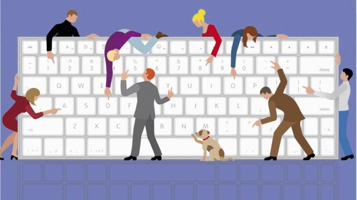 Viele Menschen teilen große Computertastatur PUBLICATIONxINxGERxSUIxAUTxONLY Copyright: xKlausxMeinhardtx