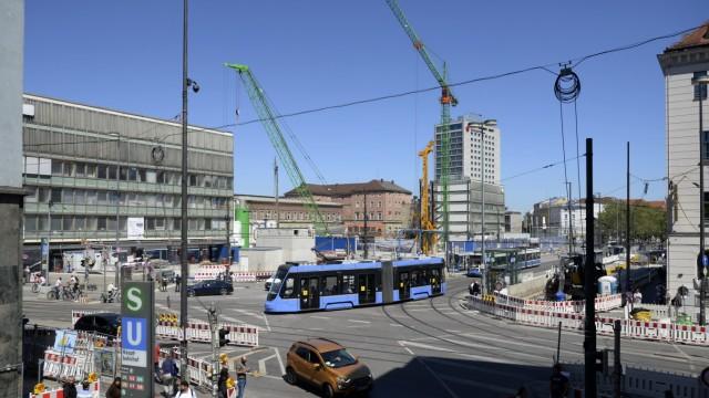 Bahnhofsvorplatz in München, Hauptbahnhof Mitte, 2021