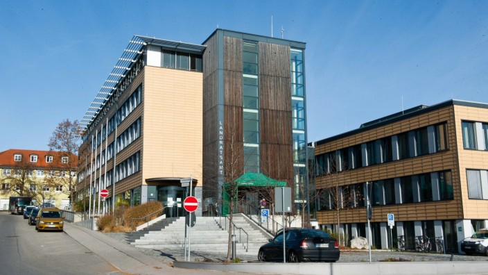 Jugendhilfe: Das Jugendamt ist im Ebersberger Landratsamt angesiedelt.