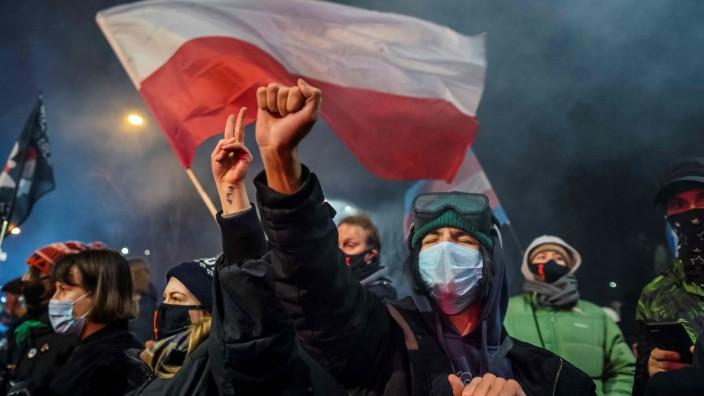 Polen: Die PiS-Regierung in Polen baut ihre Macht rücksichtlos aus. Als sie 2020 ein faktisches Abtreibungsverbot einführte, war der Protest heftig.