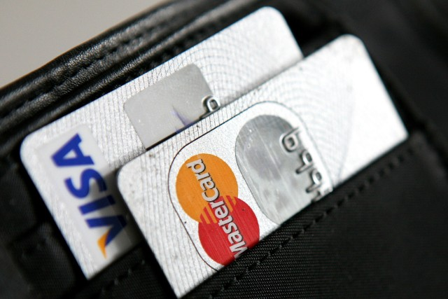 Doppelt hält besser: Im Urlaub auf zwei Geldkarten setzen