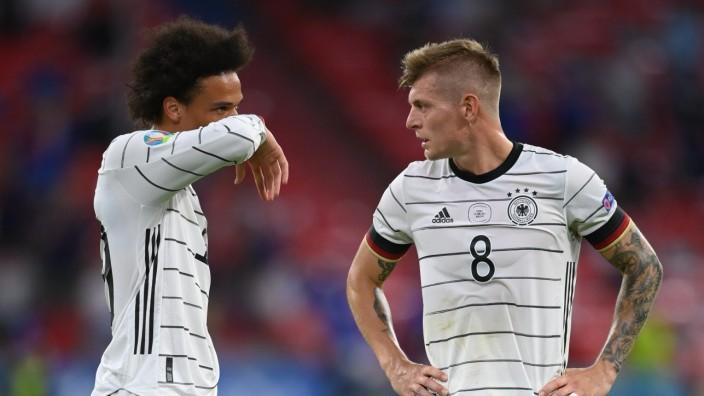 Fußball-EM 2021: Toni Kroos und Leroy Sané beim Spiel gegen Frankreich