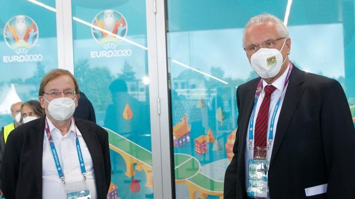 Rainer Koch (links, Vizepräsident des Deutschen Fußball-Bundes und Präsident des Bayerischen Fußball-Verbandes) und Baye