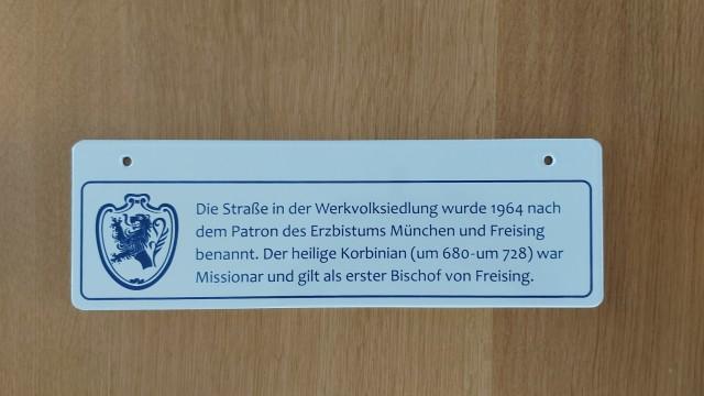 Straßenschild Tölz Namenserklärung Zusatzschild
