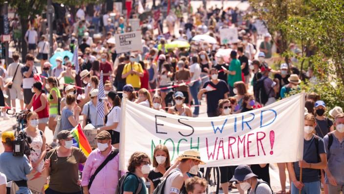 Fridays for Future Demo 'Wieder zusammen fürs Klima!·