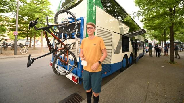 Bergbus vom Alpenverein