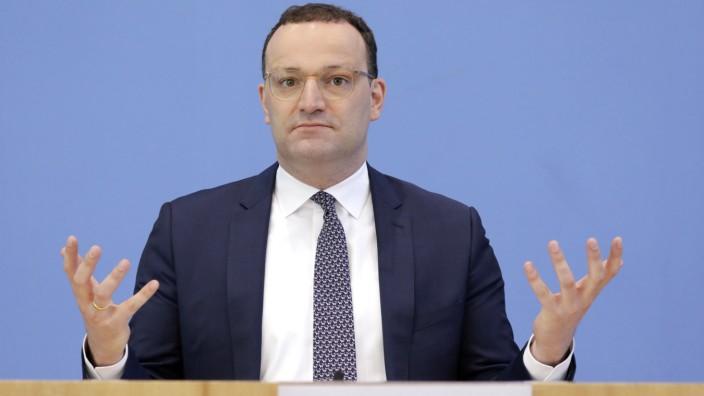 Jens Spahn, Bundesminister fuer Gesundheit, CDU, PK zu - Corona-Lage - Betriebsaerzte und Impfkampagne, DEU, Berlin, 18.