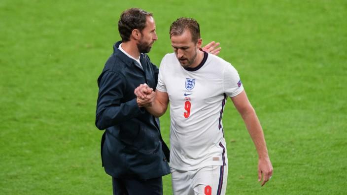 England v Scotland - UEFA EURO, EM, Europameisterschaft,Fussball 2020 - Group D - Wembley Stadium Harry Kane is substitu