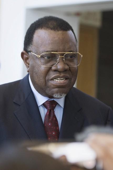 Namibia: Namibias Präsident Hage Geingob ist an Covid-19 erkrankt.
