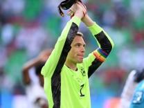 FUSSBALL Euro 2021 GRUPPE C Spiel 24 in Muenchen Portugal - Deutschland 19.06.2021 Torwart Manuel Neuer (Deutschland) mi