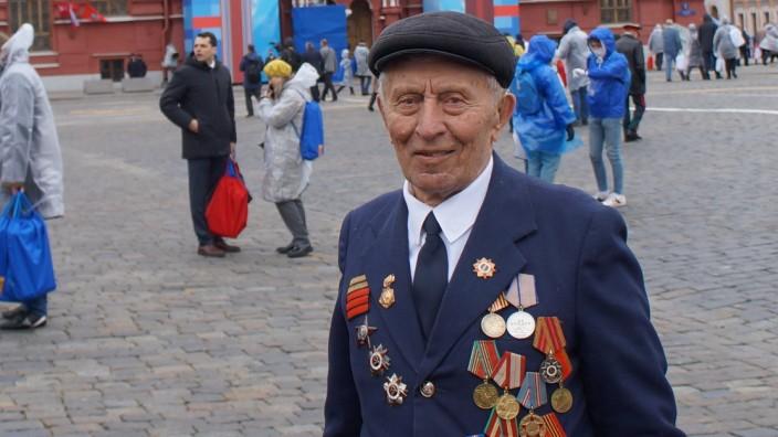 Der 95-jährige Veteran Nikolai Lenenko kann sich noch an den Angriff der Deutschen auf die Sowjetunion 1941 erinnern.