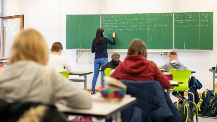 Schule: Unterricht in einer Grundschule in Baden-Württemberg