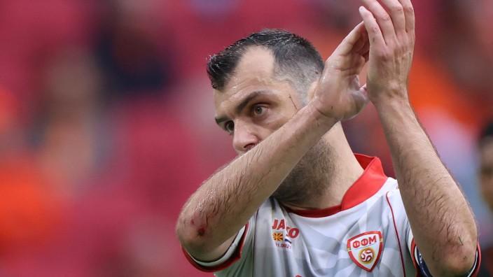 EM 2021: Ein letzter Dank: Goran Pandev, 37, bringt gegen die Niederlande sein 122. und letztes Länderspiel hinter sich.