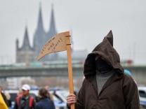 Nordrhein-Westfalen: Rechtsextreme rekrutieren Querdenker