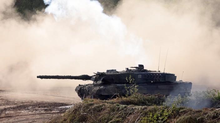 Defense Minister Kramp-Karrenabuer Visits Tank Training Brigade