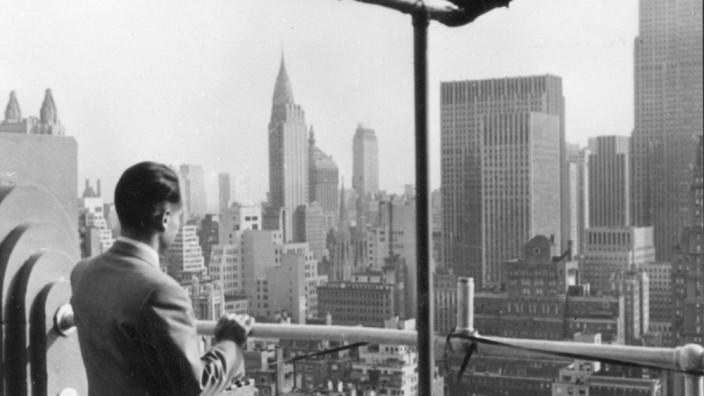 Historie: Reinhard Mohn 1954 in New York: Die USA bedeuteten für ihn zugleich Erweckungserlebnis und Vorbild.