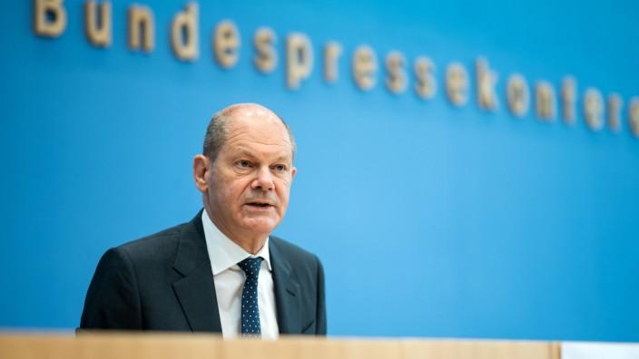 Finanzminister Scholz stellt Bundeshaushalt 2022 vor