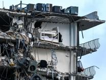 Hauseinsturz in Florida: Wie nach einem Erdbeben