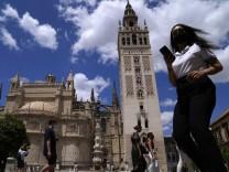 Corona weltweit: Spanien lockert die Maskenpflicht im Freien