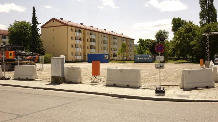 Laim: Etwa 200 Wohnungen, ein Pflegeheim, eine Kita und Tiefgaragen sollen rund um die Kreuzung Saherr-/Guido-Schneble-Straße entstehen.
